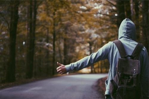 hitchhiker-691581_640.jpg